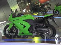 Kawasaki Ninja 250R @ Auto Expo 2010