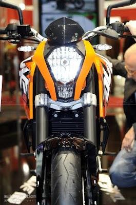 KTM 125 Duke Front