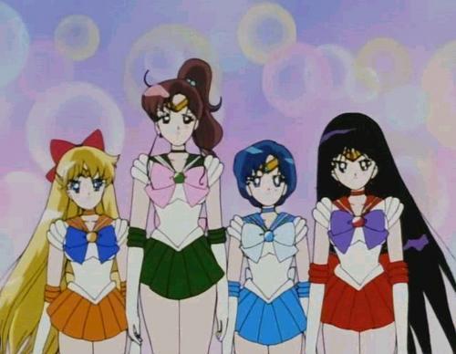 Las chicas (Mina,Lita,Amy y Rei).