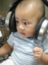Aidan - 8 months old - 13/05/2010