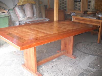 """Muebles kotue"""": comedores en roble y pino oregón nacional"""