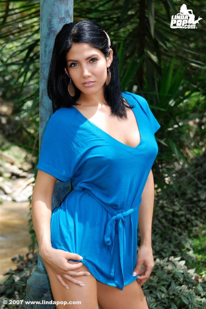 Adriana alvarez de costa rica 2 - 1 part 8