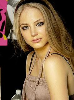 مدل قزاقستانی دینا گل