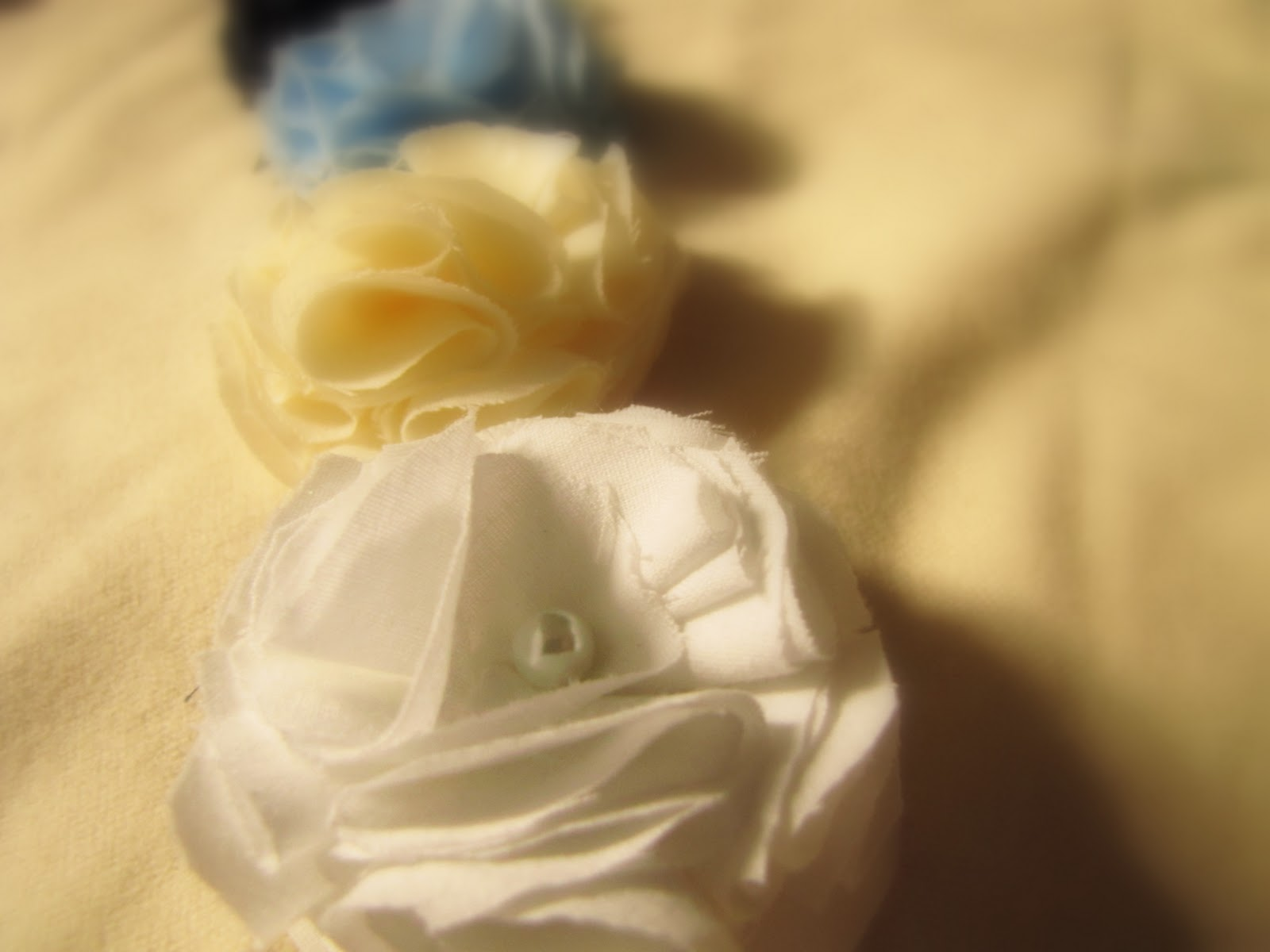 mama says sew Folded Fabric Flower Tutorial
