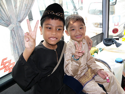 Brave Boy Zayan with Aniq on Hari Raya Bus '06