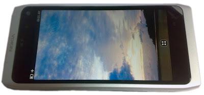 Nokia N9 - смарт мобилен телефон
