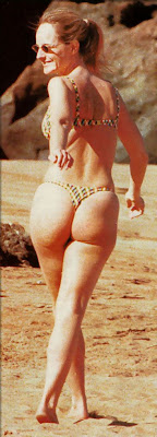 helen hunt: helen hunt bikini, candid thong, celebrity thong, exposed thong, exposed thong shots, thong showing, tight thong,