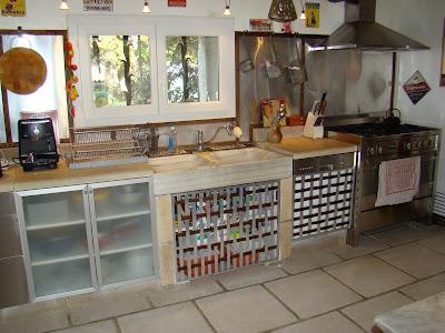 Mas proven al vendre la cuisine cot sud classe et fonctionn - Interieur mas provencal ...