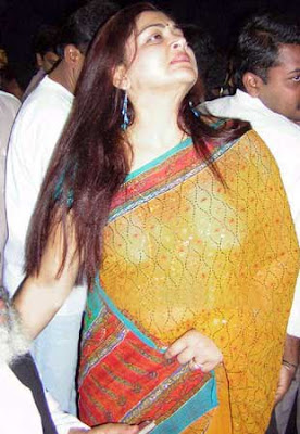 hot videos,kushboo sexy photos,kushboo nude photos,kushboo navel show