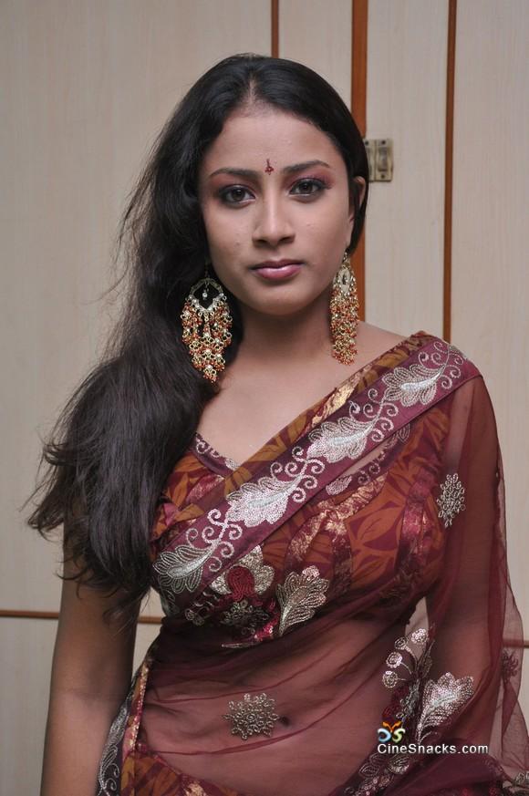 saree boobs Transparent
