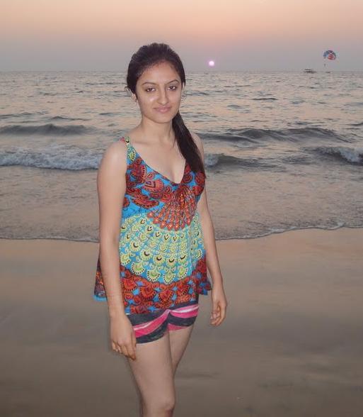 www xxx photo anuska bikini com