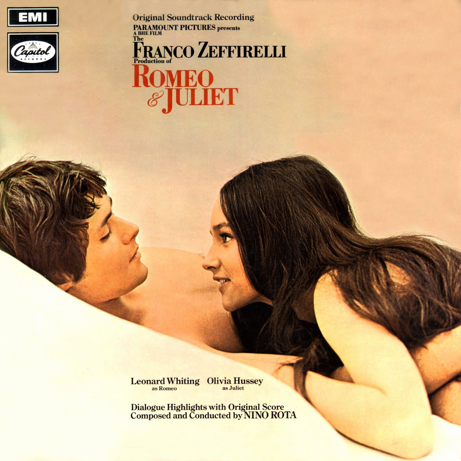 romeo and juliet dialogue In fact, fellowes's changes in the 2013 film romeo and juliet,  his dialogue  alterations come in small scenes between the balcony and the.