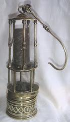 Lámpara tipo Wolf de cierre magnético