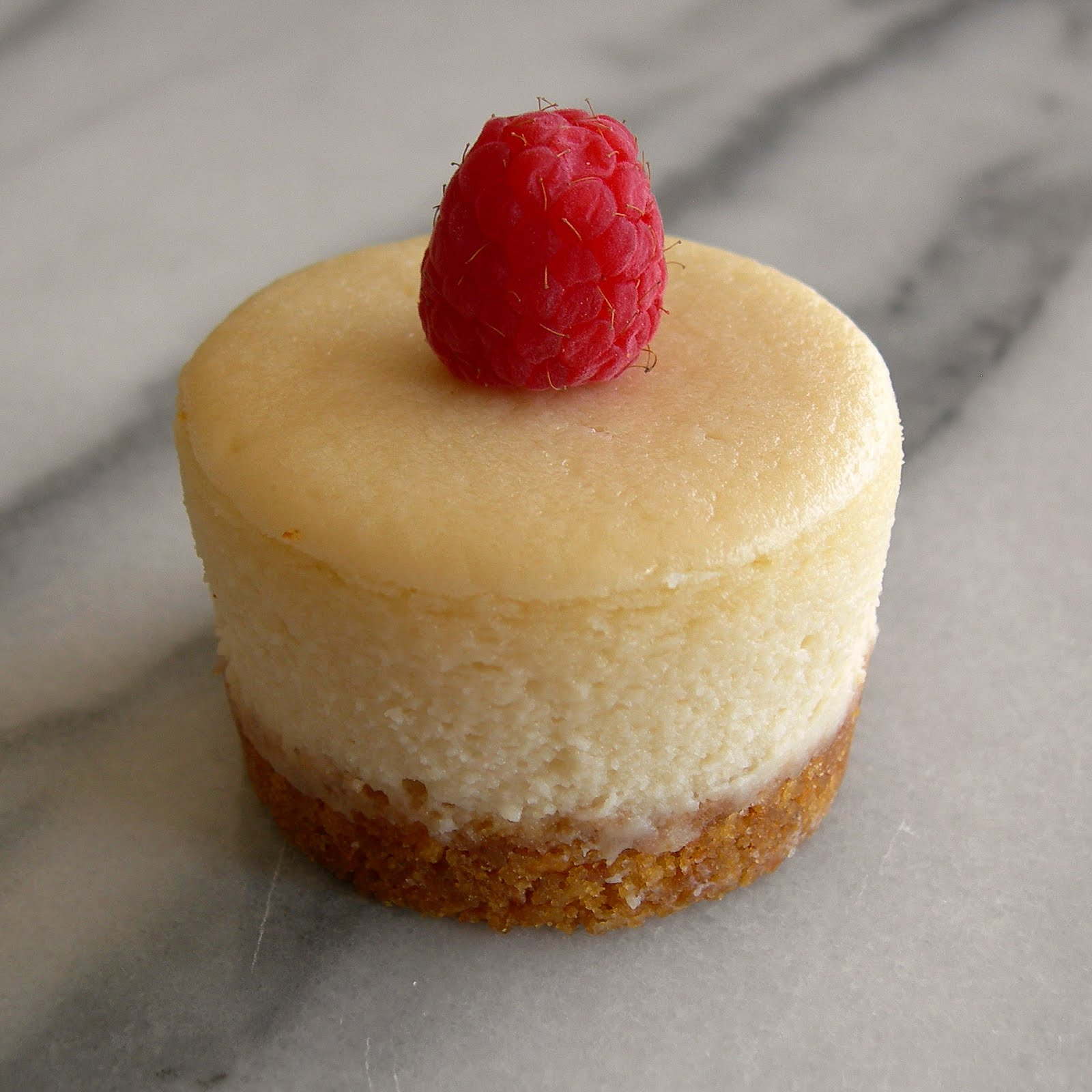 mini cheesecake is! I love that it's possible to make mini cheesecakes ...