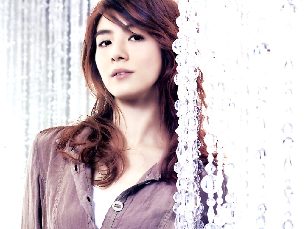 CHARLY YEUNG - Wallpaper
