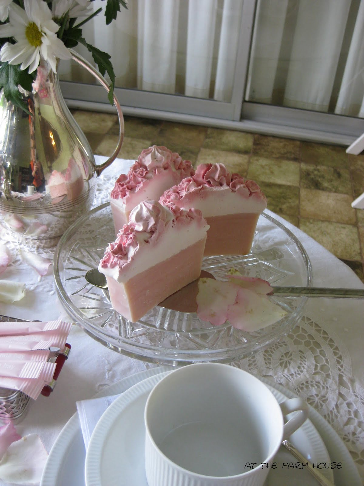 Atthefarmhouse a pretty pink tea table for two for Pretty html table