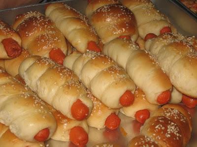 Roti hotdog roll.