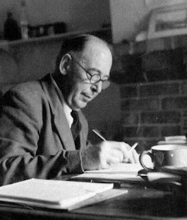 the life and christian literature of cs lewis Cs lewis, in full clive staples lewis, (born november 29, 1898, belfast, ireland [now in northern ireland]—died november 22, 1963, oxford, oxfordshire, england), irish-born scholar, novelist, and author of about 40 books, many of them on christian apologetics, including the screwtape letters and mere christianity.