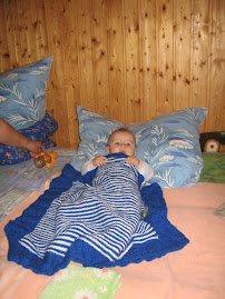 Valentin and the Blanket I Knitted