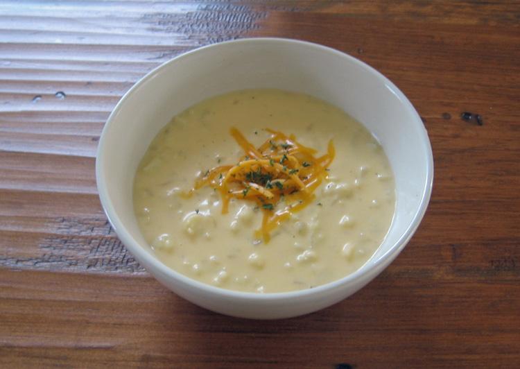 Cozy.Cottage.Cute.: Cheddar Cauliflower Soup - Al's Favourite