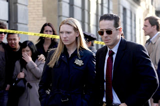 FRINGE: Olivia (Anna Torv, L) and Charlie (Kirk Acevedo, R) arrive at a crime scene in the FRINGE episode 'The Road Not Taken' airing Tuesday, May 5 (9:01-10:00 PM ET/PT) on FOX. ©2009 Fox Broadcasting Co. Cr: Craig Blankenhorn/FOX