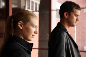 FRINGE: Peter (Joshua Jackson, R) and Olivia (Anna Torv, L) follow a case to Seattle in the FRINGE episode 'Dream Logic' airing Thursday, Oct. 15 (9:00-10:00 PM ET/PT) on FOX. ©2009 Fox Broadcasting Co. CR: Liane Hentscher/FOX