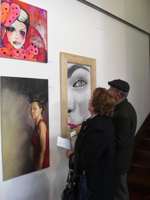 'donna con cappello' by Ilaria Pergolese near 'ira dissimulada' by Mariet