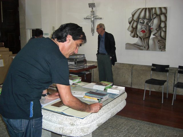 Urbano with the honour book