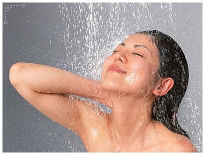อาบน้ำด้วยสมุนไพรสบู่ขมิ้น