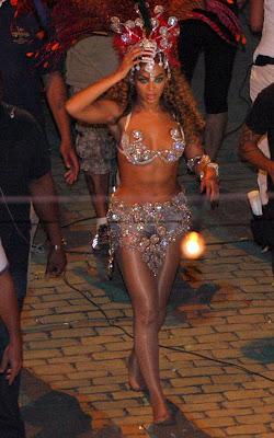 beyonce-knowles-alicia-020909-7 Alicia & Beyonce sous le soleil de Rio