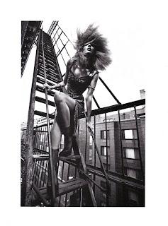 >Liya Kebede pa Mario Sorrenti   Vogue Italia