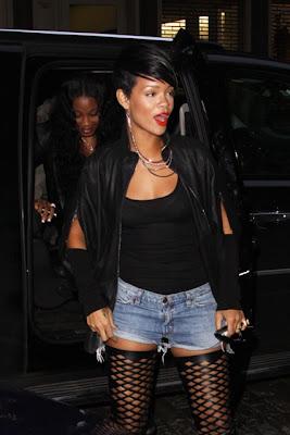 Rihanna: Serial clubbeuse, shoppeuse et vacanceuse (heuu ca ne se dit pas je crois…)