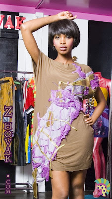 OLIVE-GREEN-DRESS-WITH-PURPLE-LEATHER-PATCHES Teddy Kalonga pour Z-HOVAK