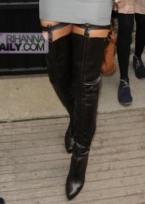 ri Rihanna: The Paris Fashion Week Queen