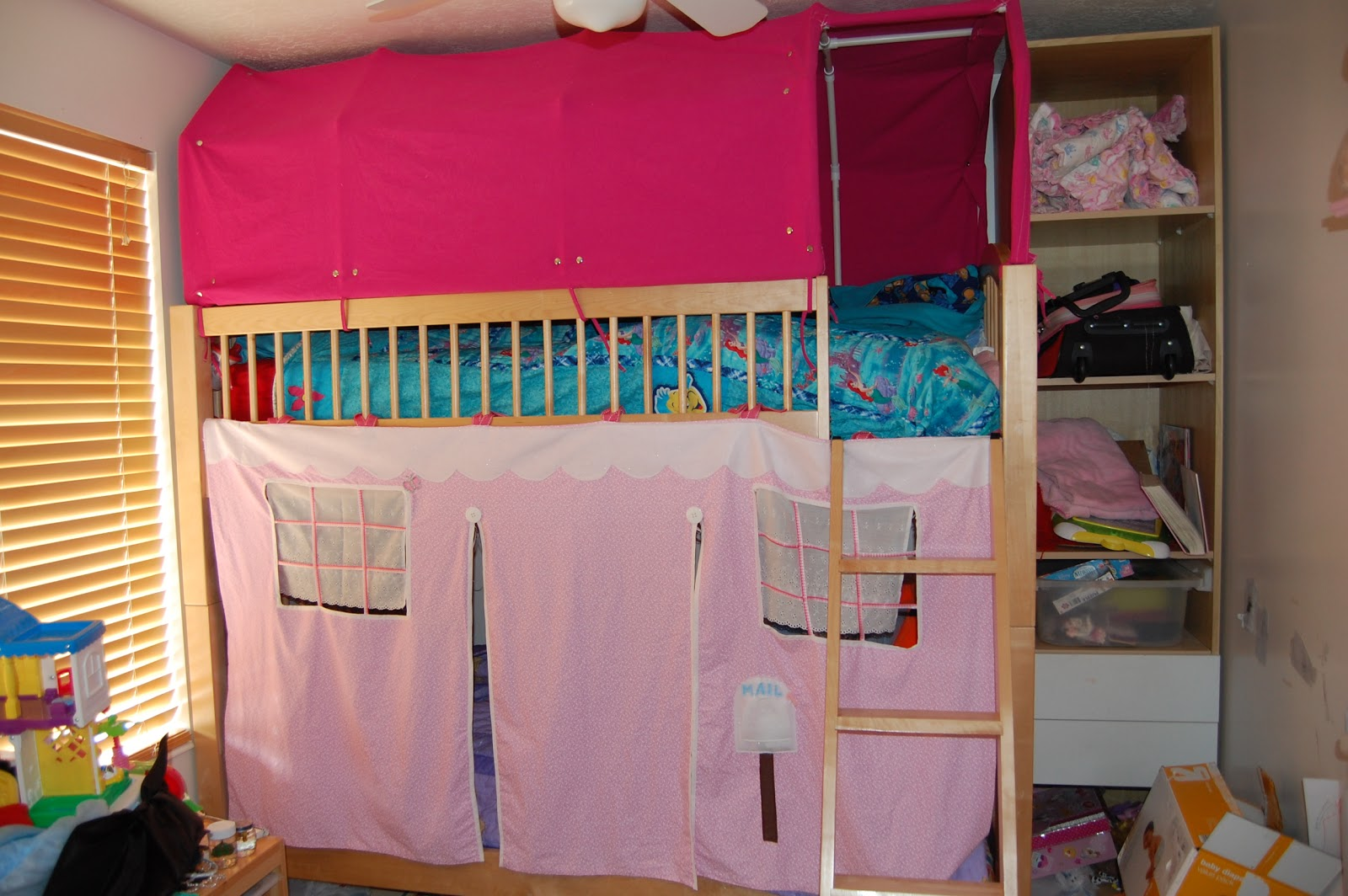 Everyone's Excited and Confused: Christmas Crafts--Bunk bed Tents and ...