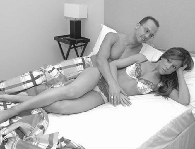 foto mujer desnuda teniendo relacion sexual:
