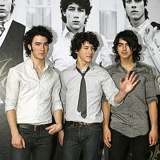 Jonas Brothers - Drive