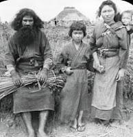 Fotografia di una famiglia Ainu