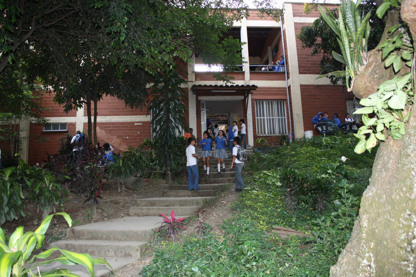 INSTITUCION EDUCATIVA TRICENTENARIO