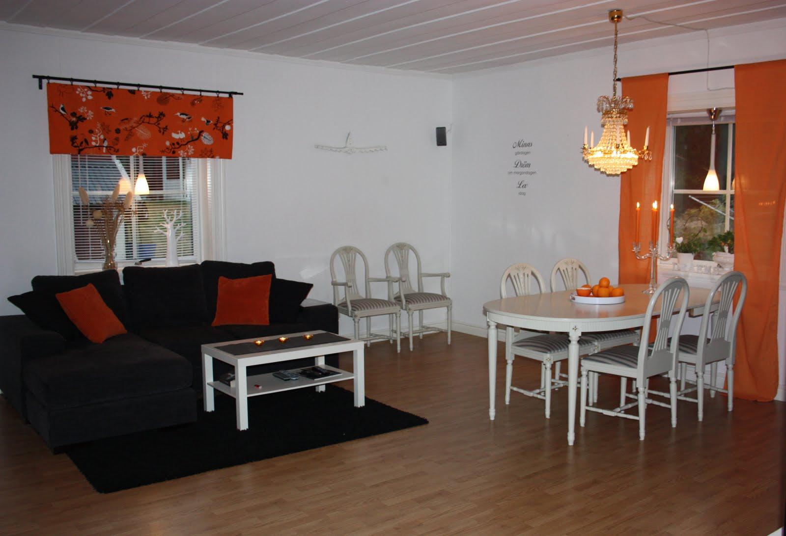 Tolis inredning: ett vardagsrum i orange
