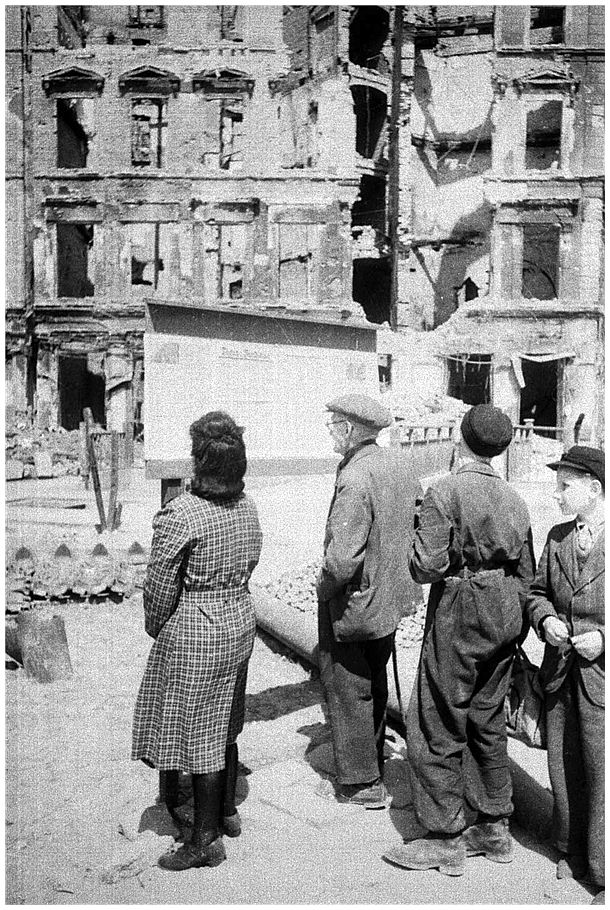 Pictures from history rare images of war history ww2 for Germany rebuilding after ww2