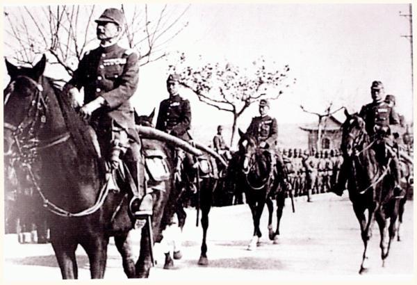 external image japan-invades-manchuria-1932-china-02.jpg