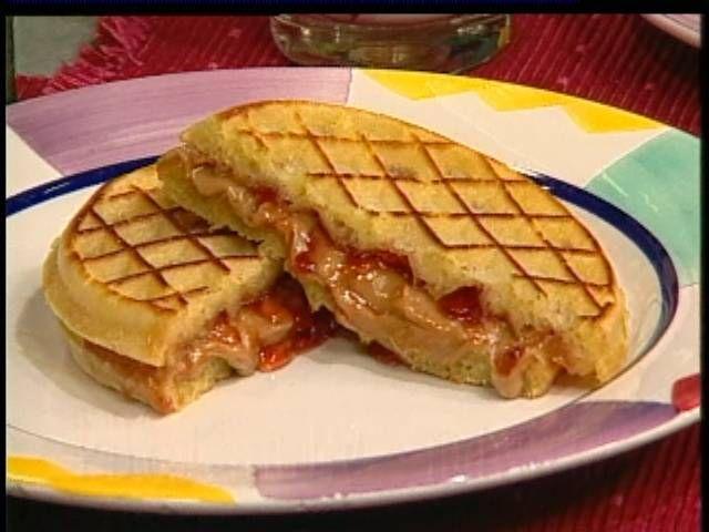 [PB&J+Waffle+Sandwiches]