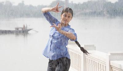 Aishwarya Rai in Ravan stills