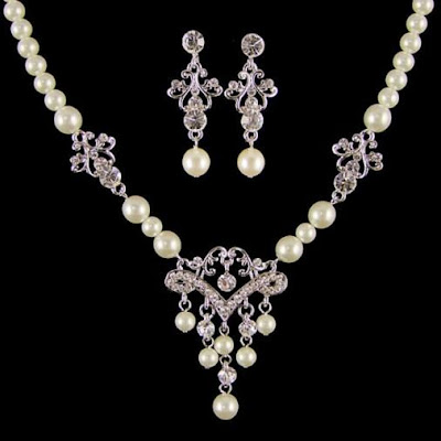 Narayana Pearl Necklace Designs