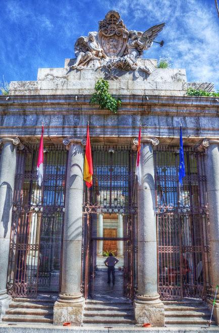 PORTADA DE CINCO VANOS Y GRUPO ESCULTORICO DEL PALACIO LORENZANA