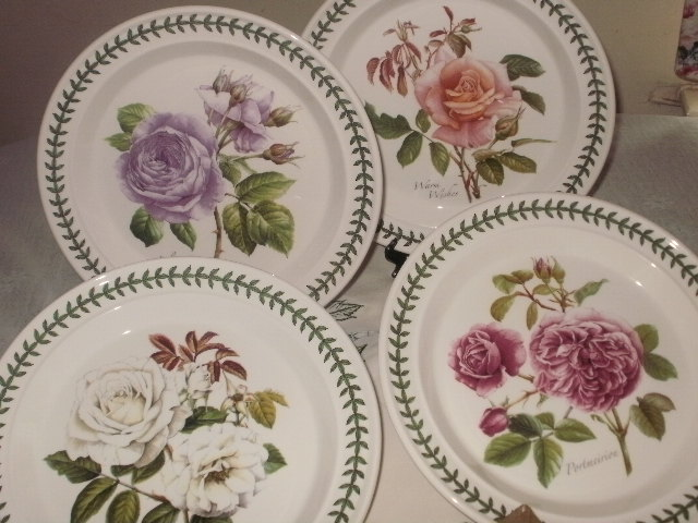 Another set from Botanic Roses.4 pieces dinner plates in excellent condition. & JOMJENGOKJAP: PORTMEIRION BOTANIC ROSES DINNER PLATES 4 Pcs (NEW- SOLD)