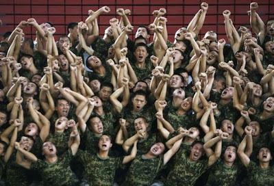 Aksi Kocak Tentara Di Cina