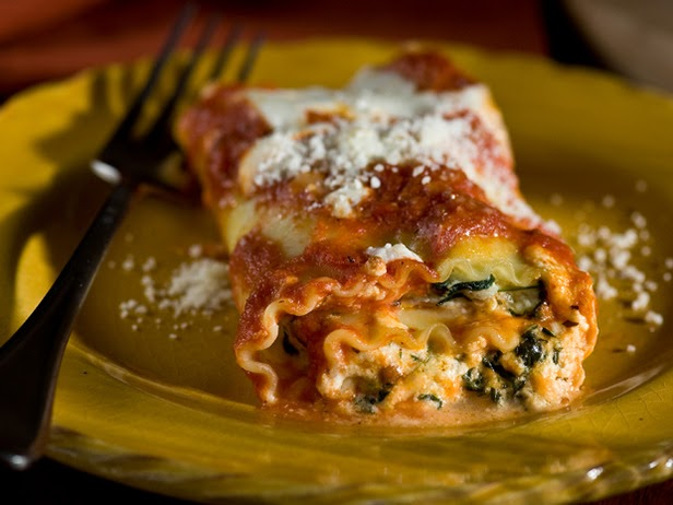 Just Peachy: Ricotta, Spinach, and Prosciutto Lasagna Rolls