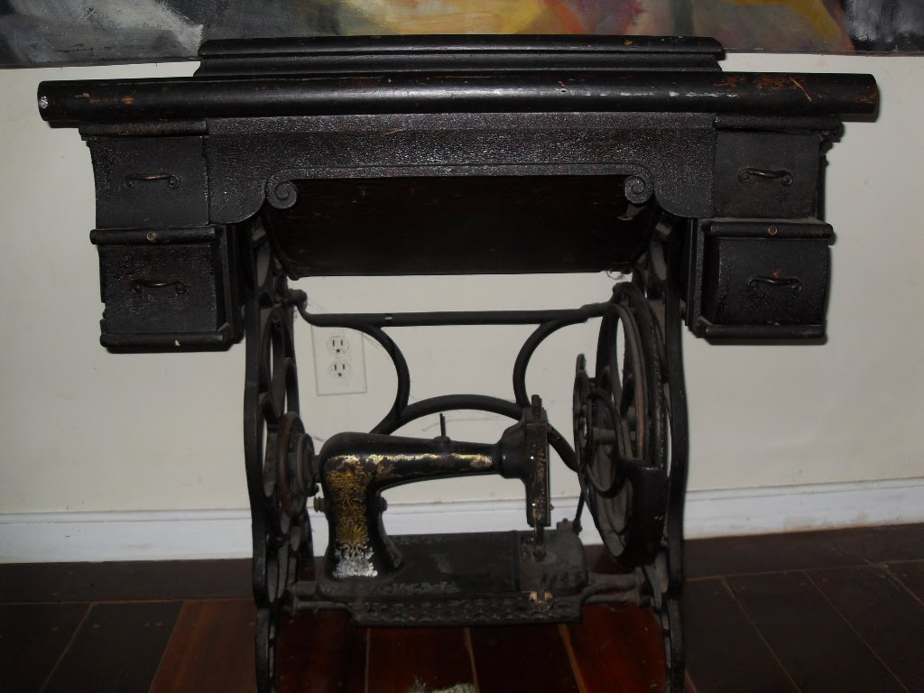 Vintage Black Singer Sewing Machine U0026 Table